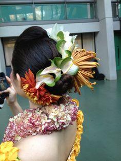 「キングカメハメハ、コンペ」の画像検索結果 Island Wear, Island Life, Hawaiian Leis, Hula Dancers, Tahiti, Hair Pieces, Flower Designs, Hair Accessories, Culture