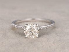 13 ct brillant Moissanite fiançailles bague or blanc par popRing #engagementring