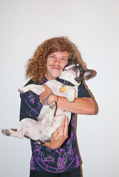 Blake Anderson + French Bull Dogs = Also his shirt rocks my universe. Blake Anderson, Justin Kirk, James And Dave Franco, Pretty People, Beautiful People, Vans Syndicate, Zack Morris, Lets Get Weird, Celebs