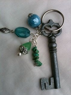 skeleton key + beads = cool necklace. I.Must.Make.Tomorrow!