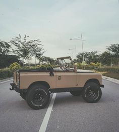 """1,532 Likes, 10 Comments - Old Land Rovers (@oldrovers) on Instagram: """"Very nice work by @cowinhumansclothing #landrover #Serieslandrover #landroverphotoalbum #oldrovers…"""""""