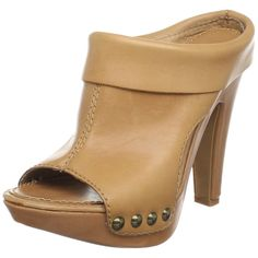 Matisse Women's Melody Clog in Camel