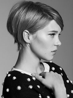 The Cut profile , Nice, sexy and easy to make. So ladies if you want bangs but on a short hairstyle, this is one of the favorites for this fall. Cute edges that make you confident.