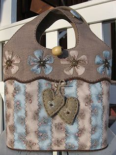 Quilt bags So pretty! Hugs, Ulla's Quilt World