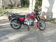 the old brown '76 bmw r75/6 painted red.  what a difference!