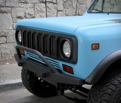 International Scout Ii, International Harvester Truck, Electric Sports Car, Classic Ford Broncos, Us Companies, Model Body, Fender Flares, Four Wheel Drive, Wheels And Tires