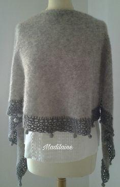 Châle tricoté main en laine alpaga et soie gris clair et bordure crochet gris foncé : Echarpe, foulard, cravate par madilaine