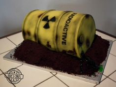 Radioactive - Cake by Tere's Cakes - Tereza Bartlová