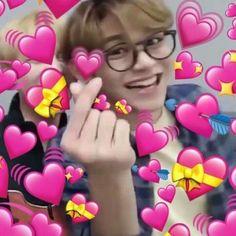 New Memes En Espanol Para Responder Amor Ideas Winwin, Taeyong, K Pop, Heart Meme, Cute Love Memes, Memes In Real Life, Lucas Nct, Memes Funny Faces, Wattpad