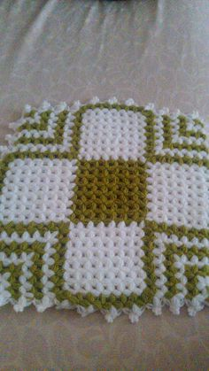 This Pin was discovered by HAC Crochet Home, Free Crochet, Knit Crochet, Hobbies And Crafts, Diy And Crafts, Baby Knitting Patterns, Crochet Patterns, Bargello, Christmas Fun