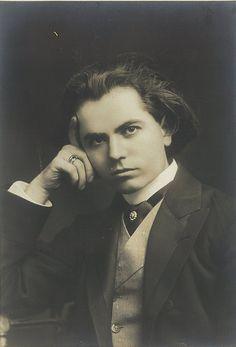 Czech violinist and composer Jan Kubelik, Sydney, 1908 / photographer Talma & Co.