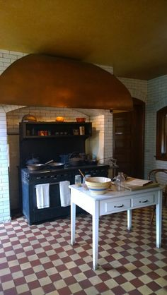 Kitchen at Glessner House (1887 H.H. Richardson masterpiece). Queen Anne's Revenge: this time last year.