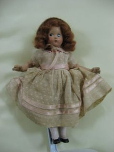 Unidentified Tiny Betty. I have not been able to ID this doll in any of my books...please help!!