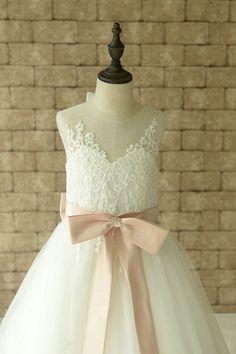 Ivory Lace Flower Girl Dress Floor Length por Weddingcollection