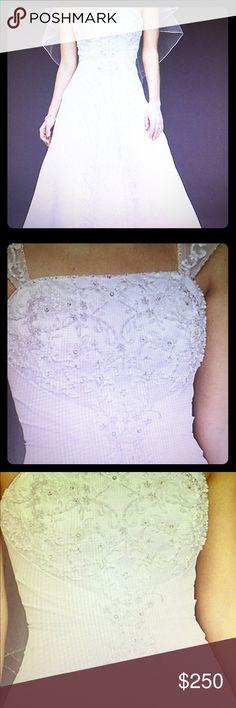 Davids bridal wedding dress Davids bridal wedding dress A line chiffon split front overlay wedding dress worn once like brand new David's Bridal Dresses Wedding