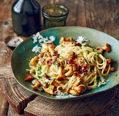 Pasta with chanterelle recipe-Pasta mit Pfifferlingen Rezept Pasta with chanterelle recipe – [FOOD AND DRINK] - Easy Cooking, Healthy Cooking, Cooking Tips, Healthy Eating Habits, Healthy Eating Recipes, Chanterelle Recipes, Cooking For Beginners, How To Cook Pasta, Summer Recipes