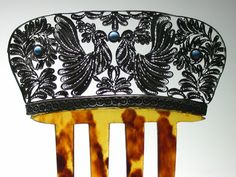 French comb with silver filigree pigeons
