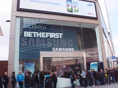Samsung Galaxy GS4 Launch multi touchpoint Campaign #Retaildesign, #Storefront, #Design, #Samsung, #Brand. Designed by: http://www.theoneoff.com