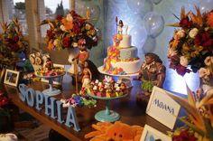 Moana Party, Moana Themed Party, Moana Birthday Party, 4th Birthday Parties, 2nd Birthday, Birthday Ideas, Hawaiian Luau Party, Hawaiian Birthday, Moana Decorations