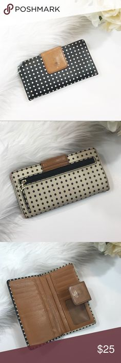 Fossil polka dot Sydney zip phone wallet So cute! In good used condition. Shows signs of wear all shown in photos! Length-6.5, width-3.5 ***NO trades! Fossil Bags Wallets