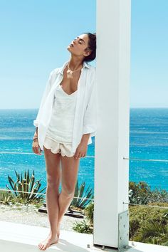 Dress in all white for those warm summer days at the beach. See PANDORA Magazine for more inspiration. #PANDORAstyle