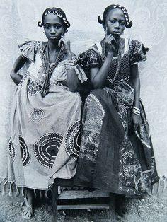 Seydou Keita – African Life in Black&White Photography Seydou Keita, African Life, African Culture, African History, African Women, Vintage Photographs, Vintage Photos, Photo Grand Format, Afro