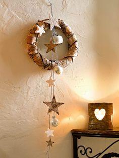 Stimmungsvolle Weihnachtsdeko aus Holz.