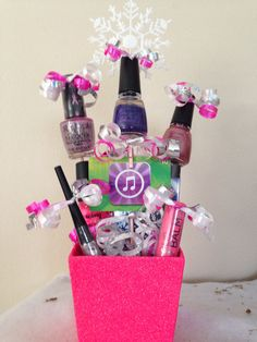 Teen gift basket, I like the cute bows on top of the gifts inside the basket.