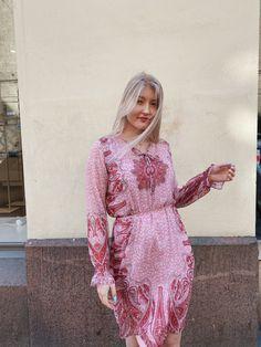 #dresses #luisa #summer #summerstyle #fashion #outfits #outfitinspiration #muoti #suomalainen #suomi #helsinki #kesä #naistenmuoti #womensfashion Helsinki, Boutique Dresses, Capri, Dresses With Sleeves, Long Sleeve, Collection, Fashion, Tunics, Moda