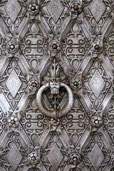Door knocker at Castle Haarzuilen, Utrecht, NL. (****Also, see Pin with a close-up of just the knocker. Door Knobs And Knockers, Knobs And Handles, Door Handles, Cool Doors, Unique Doors, Antique Door Knobs, When One Door Closes, Door Detail, Door Accessories