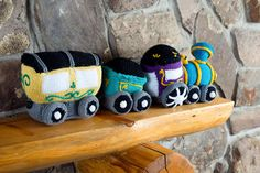 Circus Train Cars from Love of Knitting | Knitting Daily #allaboard