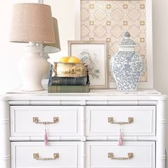 """Justina♡ Grandmillennial Decor on Instagram: """"Happy #GrandmillennialDecor SUNDAY! 🎀 Taylor Kelly @fringeandecho is a New Jersey-based interior stylist who has a passion for vintage and…"""" Transitional Decor, Interior Stylist, Dresser As Nightstand, New Jersey, Contemporary, Modern, Traditional, Cabinet, Storage"""