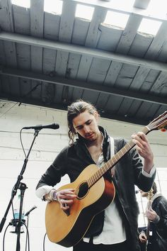 Hozier would love to see him in concert! Kinds Of Music, Music Love, My Music, Irish Rock, Take Me To Church, Music Is My Escape, Hobby Photography, Beautiful Soul, Music Lyrics