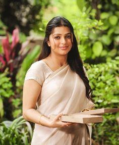 Indian Actress Hot Pics, South Indian Actress, Indian Actresses, Beautiful Bollywood Actress, Beautiful Indian Actress, Indian Celebrities, Beautiful Celebrities, Girl Photo Poses, Girl Photos