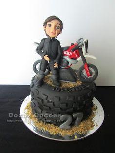 Doces Opções: Bolo de aniversário com a moto do Manuel