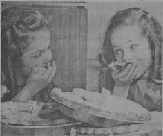 Twins eating pie. Thanksgiving Pies, No Bake Pies, Twins, Baking, Google Search, Eat, Patisserie, Bread, Twin