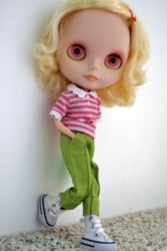 All you Blythe Lovers that are MAD about Blythe and are under 18, come and join THE BLYTHE SOCIETY!!!! www.theblythesociety.blogspot.com
