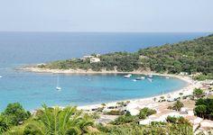 PLAGE DE FAVONE. A 22 min du camping (22,5 km) par la RN 198 direction Bastia.  FAVONE BEACH. 22 mins from the camping (22,5 km) travelling towards Bastia on the RN198.  #campinglavetta #camping #corse #corsica