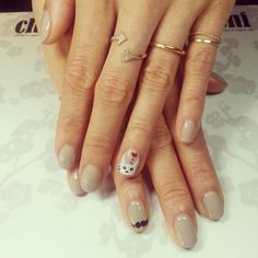 And the award for 'Best Nails On The Internet, Always' goes to -- Eva Chen!