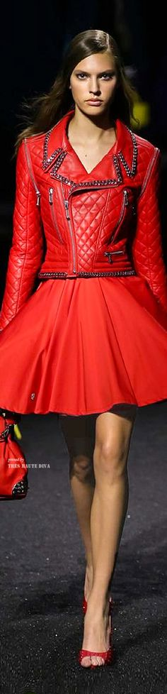 Philipp Plein Spring Summer 2015 RTW - and red. Red Fashion, Runway Fashion, High Fashion, Fashion Trends, Fashion Design, Style Casual, My Style, Little Red Dress, Moda Chic
