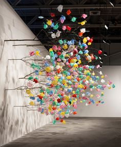 Plastic Bag Tree art installation Now we've certainly seen everything! Cameroonian artist Pascale Marthine Tayou created his latest installation at Art Basel Unlimited 2015 by building a gi Art Environnemental, Instalation Art, Tachisme, Plastic Art, Paper Tree, Environmental Art, Art Plastique, Tree Art, Public Art