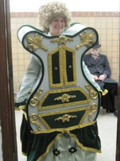 One of the better Madame de la Grande Bouche costumes I've seen, from Beauty & the Beast of course. Much better than the wallpapered boxes you usually see in school productions. (Repinned from Emily Aqualime - thanks!)