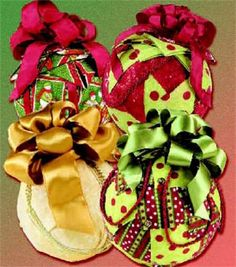 DIY Craft Projects - Crafts for Kids & Adults All Things Christmas, Winter Christmas, Christmas Wreaths, Christmas Crafts, Christmas Decorations, Christmas Ornaments, Fabric Ornaments, Handmade Ornaments, Sewing Projects For Kids