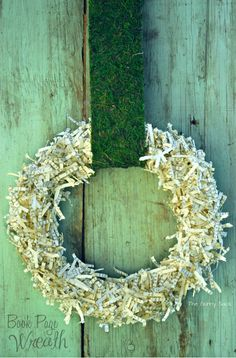 ۞ Welcoming Wreaths ۞  DIY home decor wreath ideas - Book Page Paper Wreath