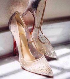 Lovely shoes! I wanna them...