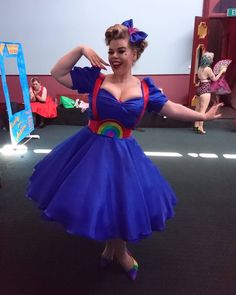Lots of inspiration, diy & makeup tutorials and all accessories you need to create your own DIY Rainbow Brite Costume for Halloween. Family Costumes, Group Costumes, Diy Costumes, Halloween Costumes, Costume Ideas, Rainbow Brite Halloween Costume, Theme Tunes, Renaissance Costume, Diy Makeup
