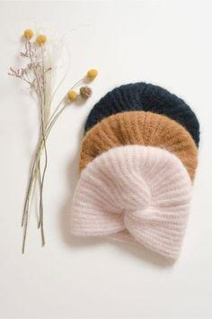 Tricot - Le Bonnet Turban Huguette Paillettes ⋆ The Funky Fresh Project Baby Turban, Turban Hat, Beret, Knitting Patterns, Crochet Patterns, Knitted Hats, Crochet Hats, Retro Stil, Diy Crochet