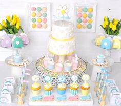 Pastel Easter Party via Kara's Party Ideas Engagement Party Desserts, Sweet Table Decorations, Cupcakes Lindos, Easy Easter Desserts, Daisy Cakes, Easter Candy, Birthday Parties, Sweet Tables, Party Ideas