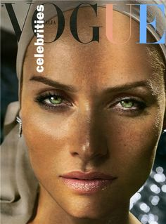 Perfect face, wonderful look. Amber Valletta by Vincent Peters for Vogue Italia September 2005 Vogue Magazine Covers, Fashion Magazine Cover, Fashion Cover, Vogue Covers, Amber Valletta, Cindy Crawford, Top Models, Female Models, Beauty Editorial