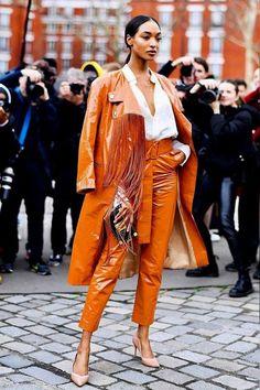 Jourdan Dunn - calça e casaco - trench coat - inverno - street style Fashion Weeks, Fashion Outfits, Womens Fashion, Fashion Trends, Fashion Fashion, Fashion Style Women, Young Fashion, Emo Outfits, Lolita Fashion